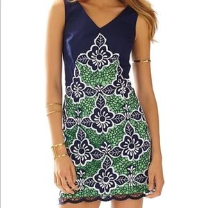 Lilly Pulitzer Sylvie floral lace dress navy  Sz 2